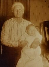 VINTAGE EARLY 1900'S CABINET PHOTO -  UNIDENTIFIED ELDERLY WOMAN HOLDING A BABY