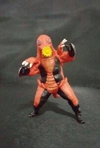Mogura Beastman Jūjin Masked Rider Kamen Bandai kaijn Gashapon HG 2000 kaiju