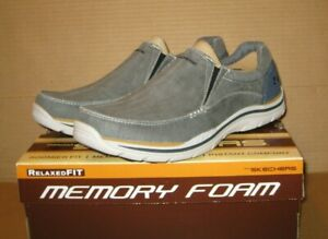 SKECHERS Relax Fit Expected - Avillo    Blue       Size 9