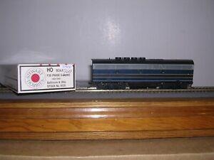 STEWART #8135  B. & O.  EMD F-3B Phase II Diesel Loco Powered No #  H.O.1/87
