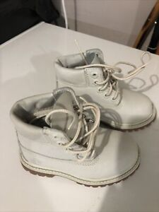 toddler timberland boots size 7 Light Grey. Worn Once!