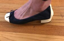 Chanel Navy Blue & Beige CC Round Cap Toe Flats Size 39 US 8 1/2 Leather& Fabric