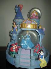 Disney Magial Princess Castle Snowglobe Musical Lights Up 5 Princesses 2 Snowglo