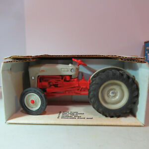Ertl Ford NAA Golden Jubilee Tractor Made USA  1/16FD-803DO-B