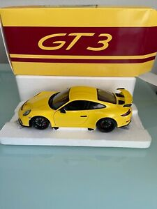 Porsche 911 GT3 Dealer limited in 1:18