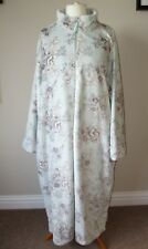 Carole Hochman Silky Plush Robe Light Green Floral Pattern Medium New