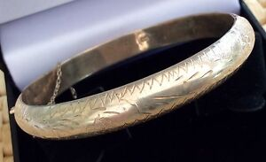 Lovely Ladies Vintage Solid Silver Hallmarked Engraved Bangle