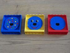 Lego Duplo - 3 Windows with Round Shutters / Exit Ball Tube Slide - GMT31