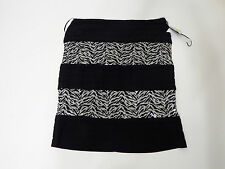 Woman Skirt R&M Richards Size 14 Black and Silver Straight Pencil Evening Mini