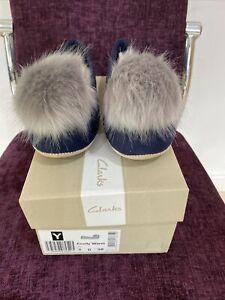 Clarks Cozily Warm Ladies Suede Slipper Size 5