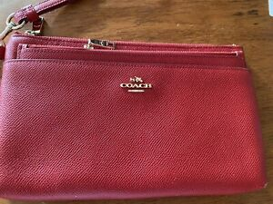 Coach Large Wristlet With Pop Up Pouch Red