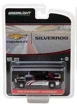 Greenlight 1:64 2015 Chevy silverado en noir avec équipement de sécurité en camion Lit