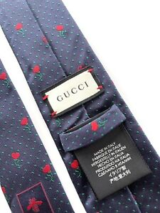 GUCCI TIE.  New Collection made in italy. autentic.
