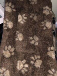 Small Brown With Cream Paw Comfy Crate Pet Cat Dog Fleece Mat 70cm X 40cm X 3cm