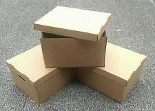 Markenlose Aufbewahrungsboxen für den Wohnbereich aus Karton
