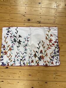 White Floral Marks And Spencers Duvet Set. Size Double