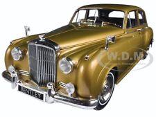 1960 BENTLEY S2 GOLD 1/18 DIECAST MODEL CAR BY MINICHAMPS 100139952
