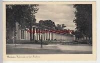 (84833) AK Wiesbaden, Kolonnade vor dem Kurhaus, vor 1945