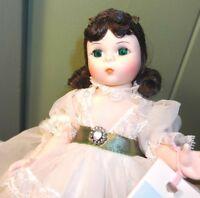 Vintage Scarlett Madame Alexander Doll 425 Collectible Brunette Green Eyes