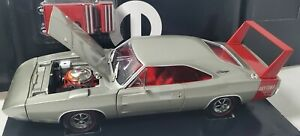 ERTL 1/18 1969 DODGE DAYTONA SILVER WITH RED WING - 1 OF 500 with tool box