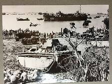 ww2 photo press US Army , debarquement sur l'ile Okinawa ,31/03/ 1945   A113