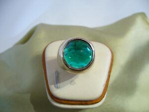 massiver designer ring 925 silber mit grünem stein.17,4mm.innendurchmesser