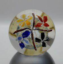 Paperweight Briefbeschwerer, 4 Blüten im Kreuz