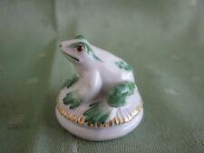 Wunderschöne Meissen Figur als Lauernder Frosch