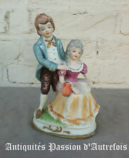 B2016191 - Couple en biscuit de porcelaine 1950-70