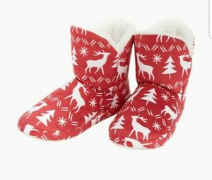 Vera Bradley Women's Large Size 9/10 Reindeer Red Cozy Furry Bootie slippers