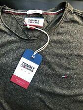 Mens Tommy Hilfiger crew neck short sleeve  t-shirt size M slim fit GREY