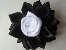 4 fleur satin 3D, 40mm noir et blanche,applique ,scrapbooking couture collage.