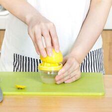 Citrus Squeeze Manual Kitchen Gadgets Lemon Sprayer Fruit Juicer Bottle