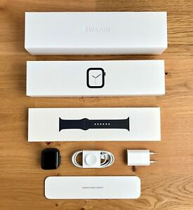 APPLE Watch 4 GPS Space Grau 44 mm Sportarmband, Kauf 07/19, OVP