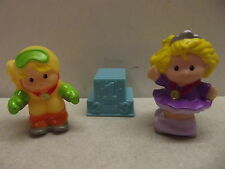 FISHER PRICE LITTLE PEOPLE OLYMPICS SARAH LYNN SKATER EDDIE SKIER GOLD MEDALIST