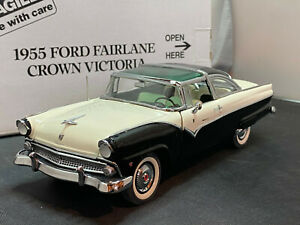 Danbury Mint 1955 Ford Fairlane Crown Victoria 1/24 Diecast New Opened For Pics