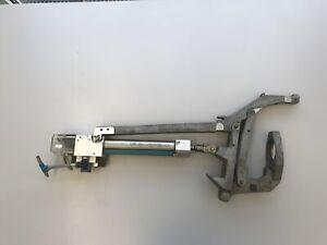 Chiron Fz 12W Magnum SK40 Tool Changer Arm / Werkzeugwechsler Greifer