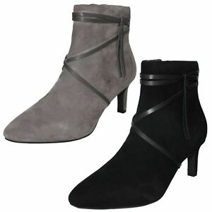 LADIES CLARKS LEATHER SLIM HEEL ZIP UP SUEDE SMART ANKLE BOOTS SIZE CALLA ASTER