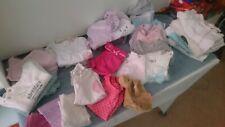 Super lot de vêtements + de 25 pièces en très bon état bébé fille 1 mois
