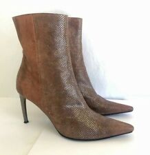 Sergio Rossi ankle boot textured leather size 38 1/2 --  8.5 Brown w silver