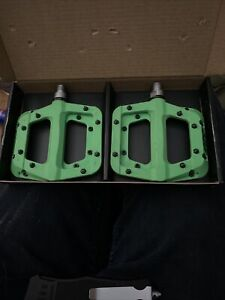 "Chester Race Face Green Composite Platform Pedals 9/16"" Pair Flat Bicycle Pedal"