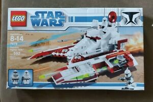 LEGO Star Wars 7679 The Clone Wars Republic Fighter Tank New Sealed Retired 2008