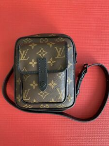 Louis Vuitton Christopher Monogram Wearable Wallet/Mini Messenger Bag