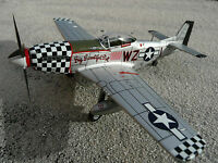 P - 51 North American Mustang  1:72 Fertigmodell Big Beautiful Doll Avion YAKAiR