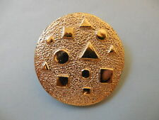 ROUND GOLD TONE SCARF CLIP with CIRCLES AND SQUARES GEOMETRIC DESIGN
