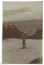 BM591 Carte Photo vintage card RPPC Homme ski neige hiver