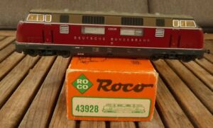 Roco 43928 H0 3-Leiter AC Diesel Locomotive V 200 035 DB Epoch 3, Boxed