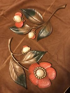 Vintage MCM 1964 Pair of Syroco Wood Poppy Floral Plaques 4978 & 4979