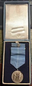 Czechoslovakia Medal Voluntary Work Benefit Socialism & Ribbon Clasp Boxed