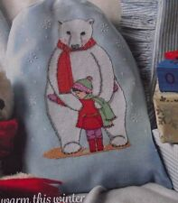 WINTER WARMER PICTURE OF A POLAR BEAR CUDDLING A CHILD CROSS STITCH CHART